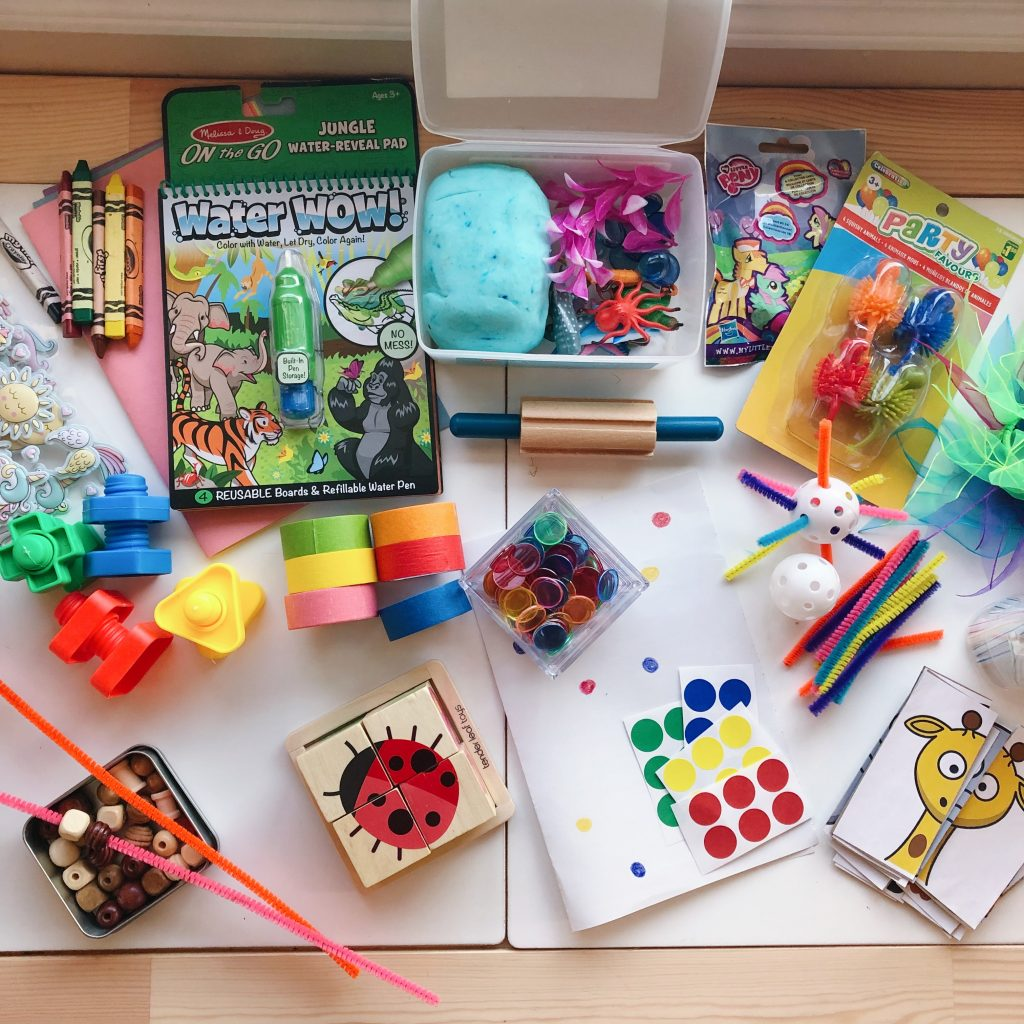 The Ultimate Kit to Keeping Your Toddler Busy on a Plane